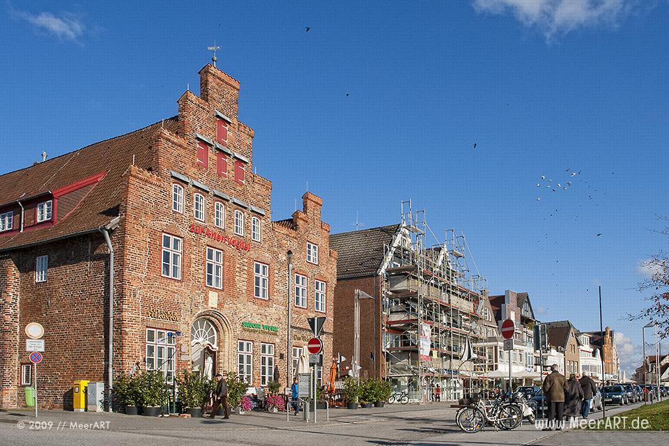 Die alte Vogtei in Travemünde // Foto: MeerART
