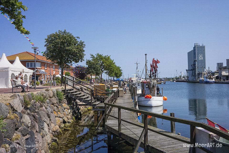 Der Fischereihafen in Heiligenhafen // Foto: MeerART