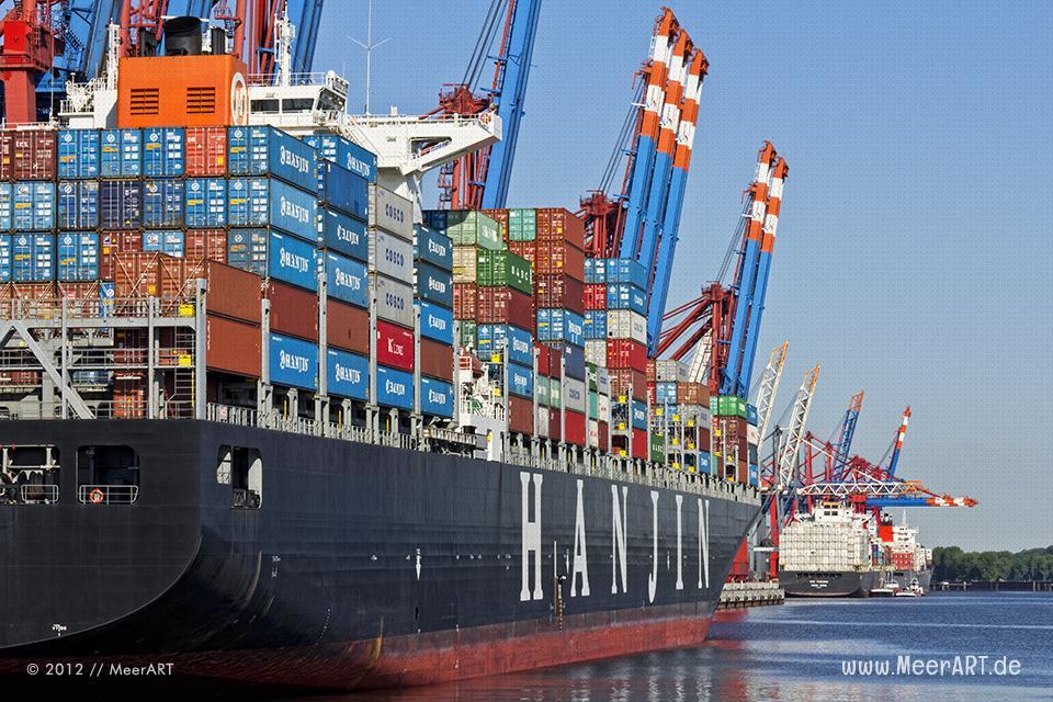 "Containerterminal ""EUROGATE"" im Hamburger Hafen // Foto: MeerART"