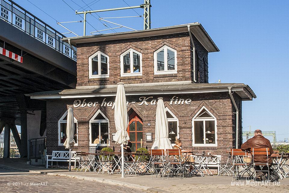 """Die Oberhafenkantine (1925 vom Wirt Hermann Sparr erbaut) im Quartier """"Oberhafen"""" in der HafenCity von Hamburg // Foto: MeerART"""