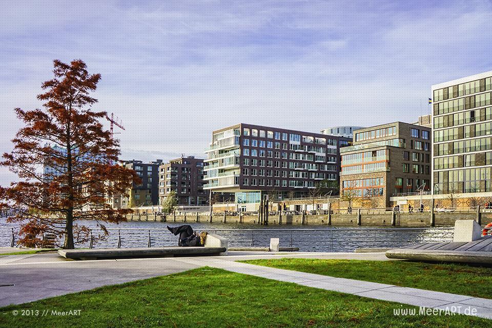 Die Hamburger HafenCity im Herbst 2013 // Foto: MeerART