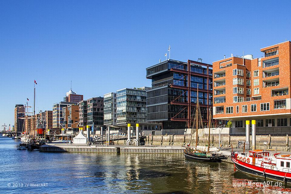 Moderne Architektur in der HafenCity in Hamburg // Foto: MeerART