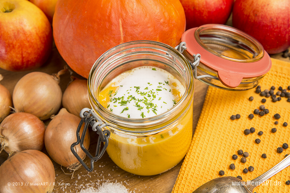 Rezept-Tipp: Apfel-Kürbis-Suppe // Foto: MeerART