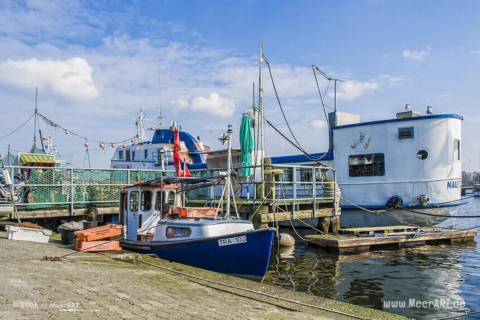 Fischkutter im Hafen von Travemünde // Foto: MeerART