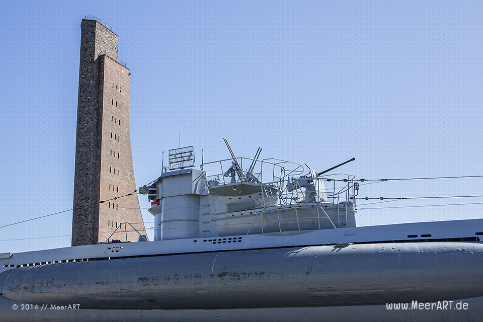 Marine-Ehrenmal und das U-Bootmuseum U995 in Laboe // Foto: R. Kerpa