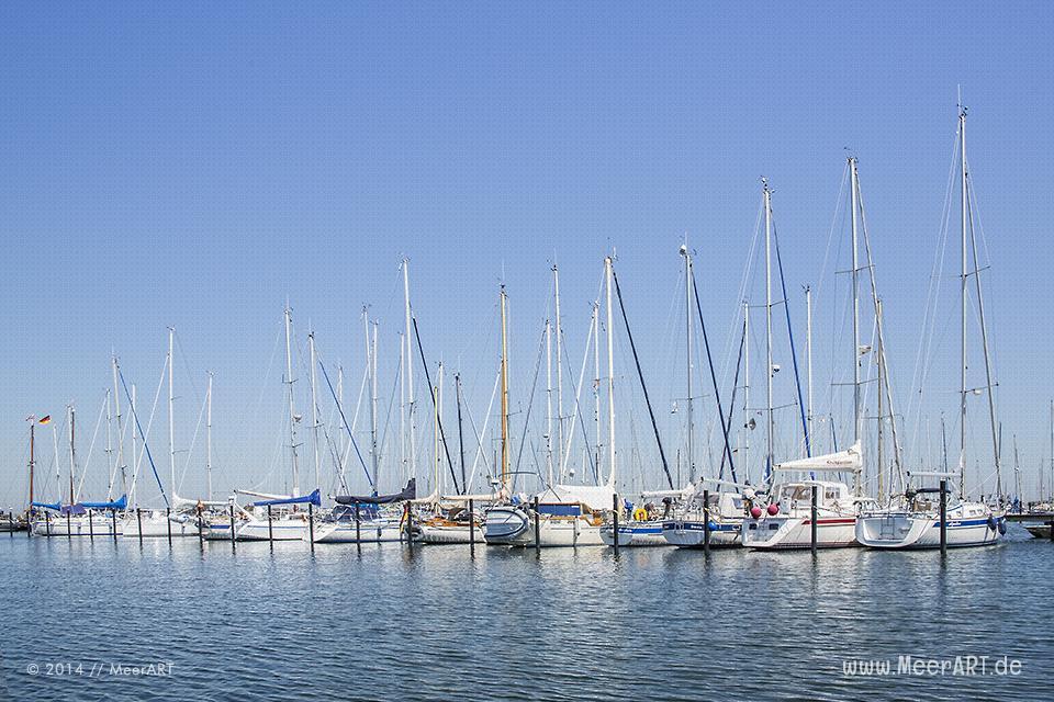 Fehmarn - Der Yachthafen am Südstrand // Foto: MeerART
