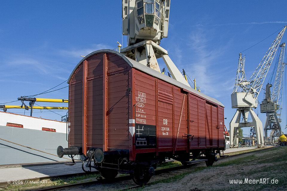 Alter Wagon im Museumshafen Hamburg // Foto: MeerART