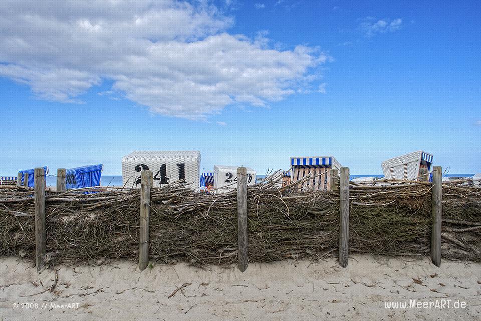 Strandkörbe am Strand von Damp // Foto: MeerART