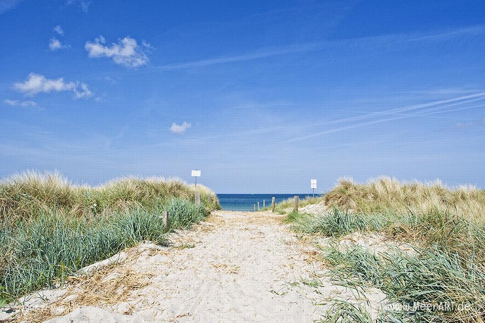Zugang zum Strand an der Ostsee bei Wustrow // Foto: MeerART