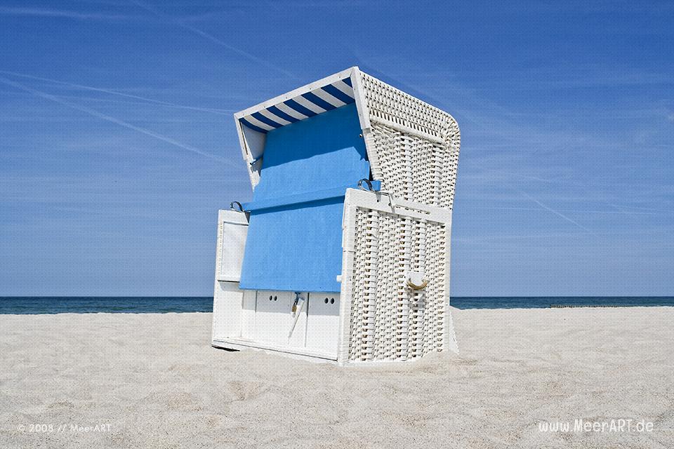 Strandkorb am Strand bei Ahrenshoop // Foto: MeerART