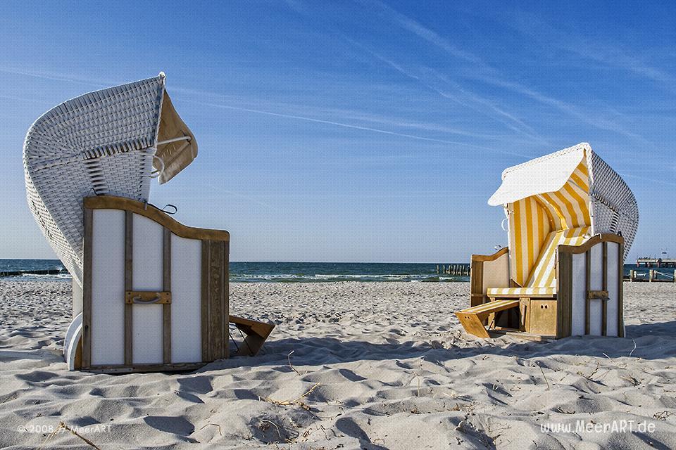 Strandkörbe am Strand von Zingst // Foto: MeerART