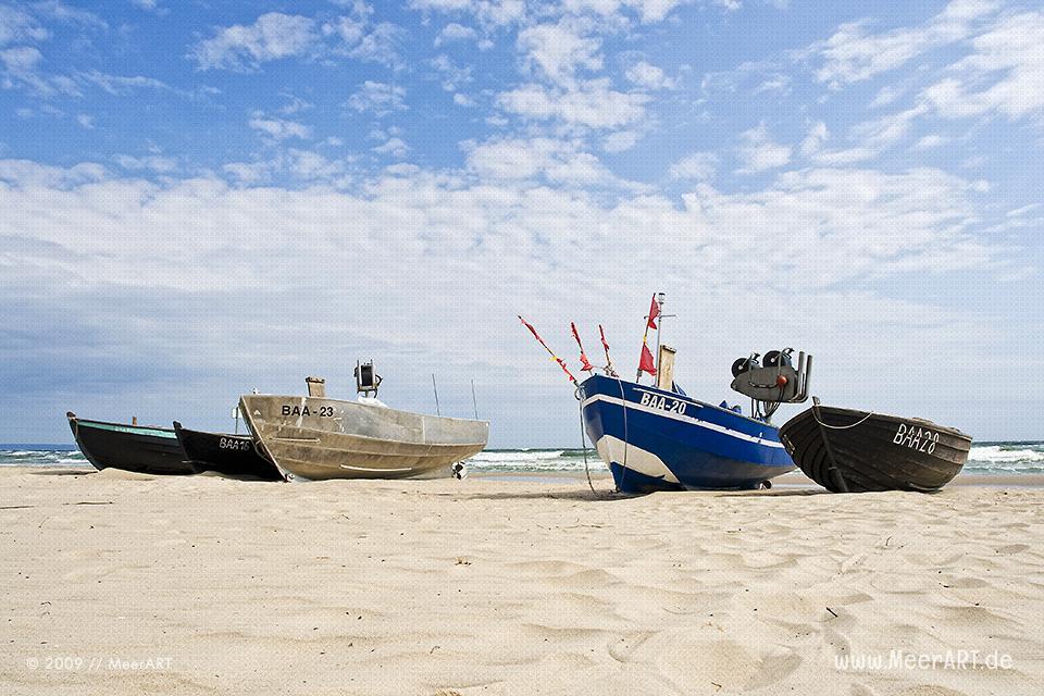 Fischerboote am Strand von Baabe // Foto: MeerART
