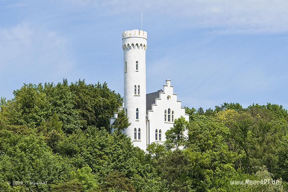 Schloss Lietzow auf der Insel Rügen // Foto: MeerART
