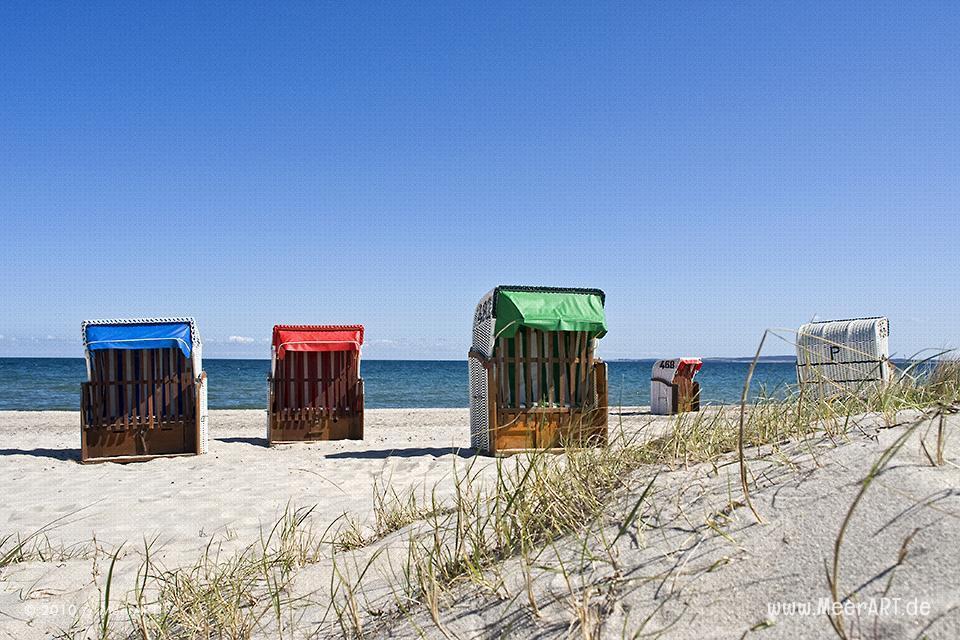 Strandkörbe an der Ostsee am Strand von Hohwacht // Foto: MeerART
