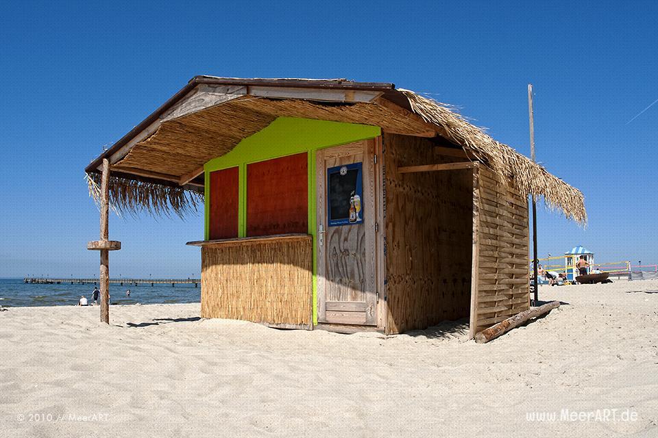 Geschlossene Strandbar am Strand von Lubmin // Foto: MeerART