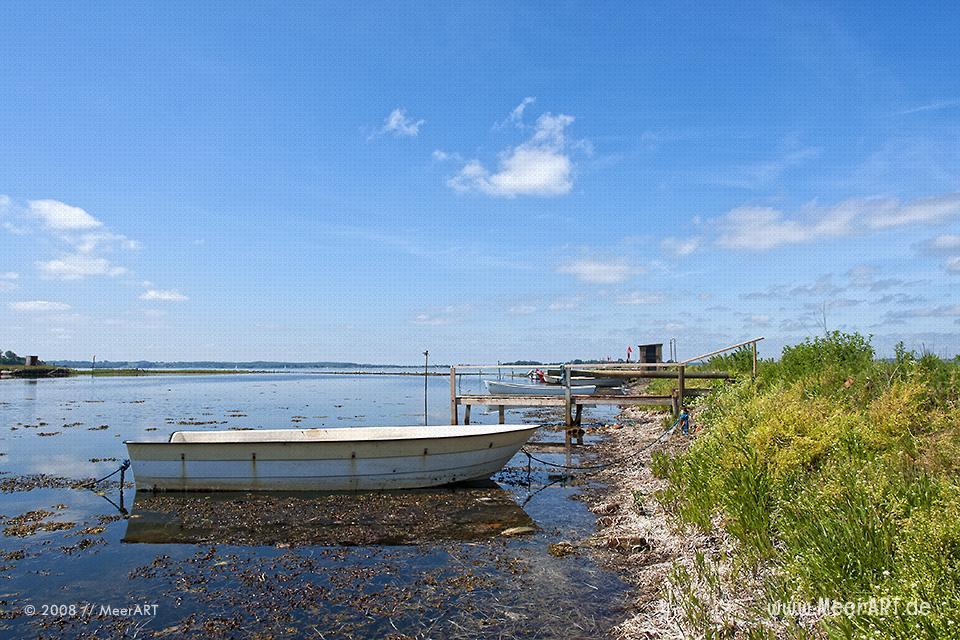 Fischerboote in einer Bucht bei Moemark // Foto: MeerART