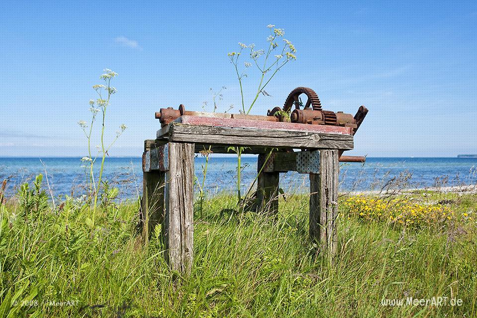 Alte Seilwinde am Strand von Himmark // Foto: MeerART