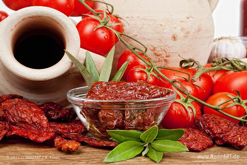 Rezept-Tipp: Eingelegte Tomaten ganz schnell selber gemacht // Foto: R. Kerpa