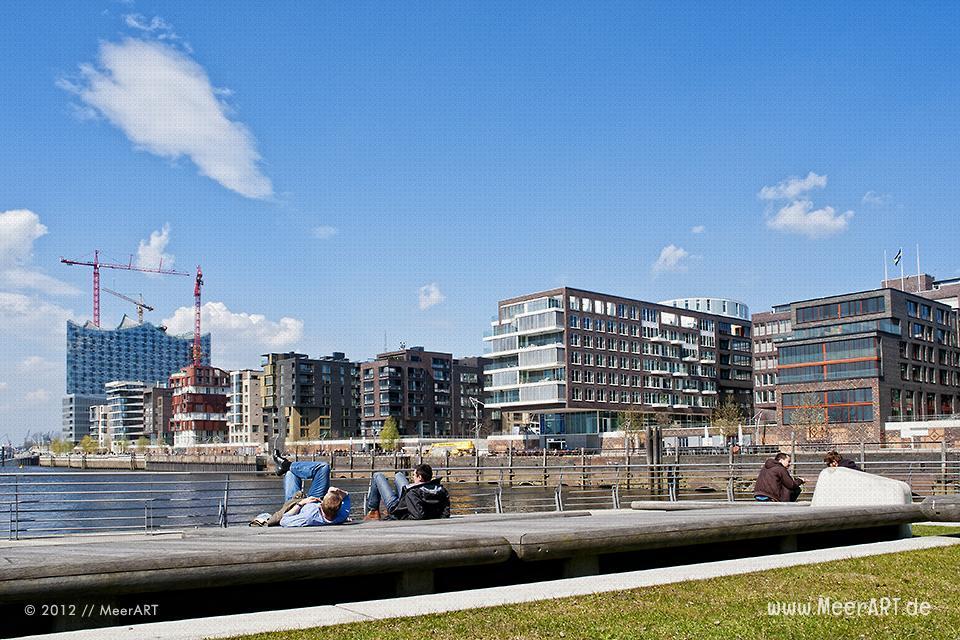 -Polo-Terrassen auf Wohn- und Bürogebäude am Grasbrookhafen in der Hafencity // Foto: MeerART