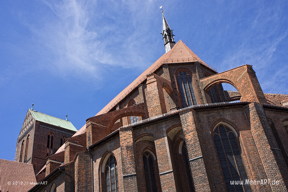 Die St.-Nikolai-Kirche in der Hansestadt Wismar // Foto: MeerART
