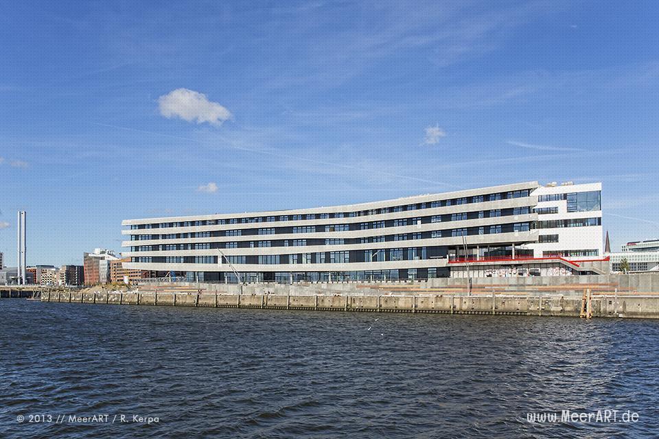 Der Neubau der HafenCity-Universität im Baakenhafen in Hamburg // Foto: R. Kerpa