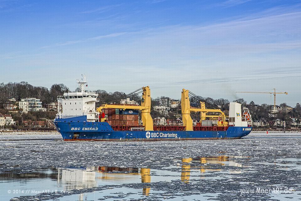 """Die """"BBC EMERALD"""" verläßt den Hamburger Hafen // R. Kerpa"""