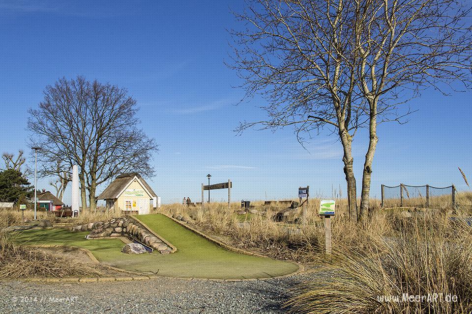 """Der Golfplatz """"Dünengolf"""" an der Ostseeküste in Scharbeutz außerhalb der Saison // Foto: MeerART"""