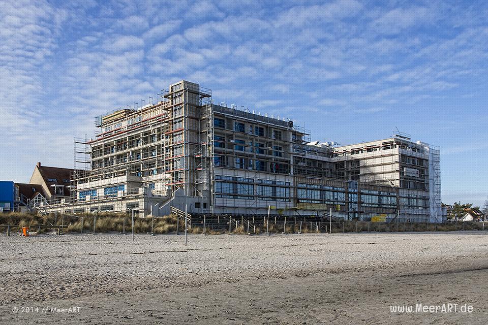 """Neubau des Hotels """"Bayside"""" direkt am Strand in Scharbeutz // Foto: MeerART"""