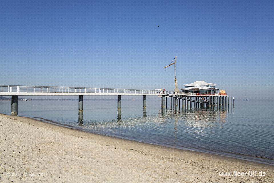 Die neue Seebrücke in Timmendorfer Strand mit dem Teehaus // Foto: MeerART
