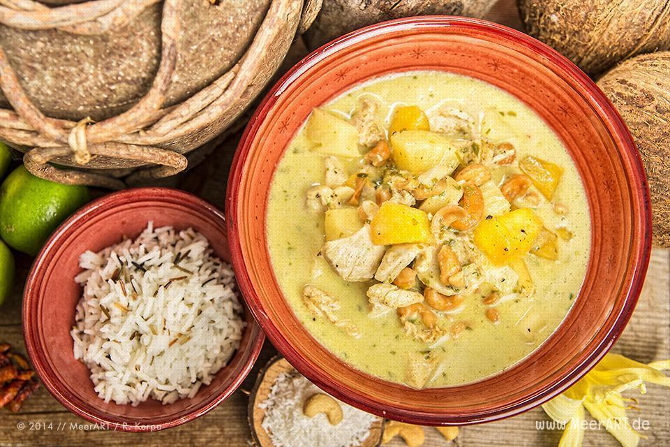 Rezept-Tipp: Hähnchen mit Frucht und Kokos // Foto: R. Kerpa