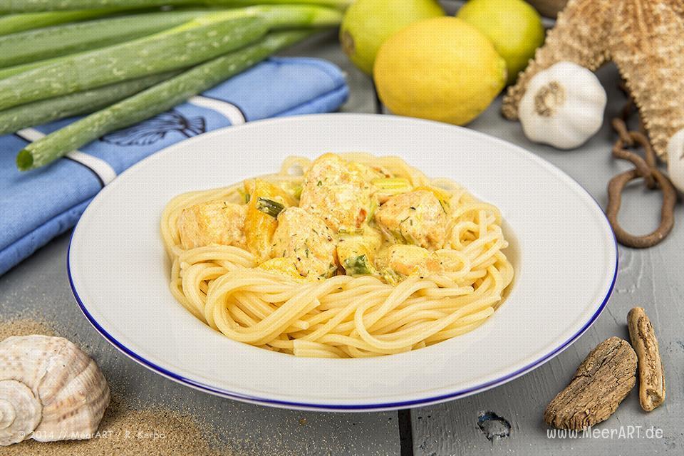 Rezept-Tipp: Spaghetti mit Lachs und Mango // Foto: R. Kerpa