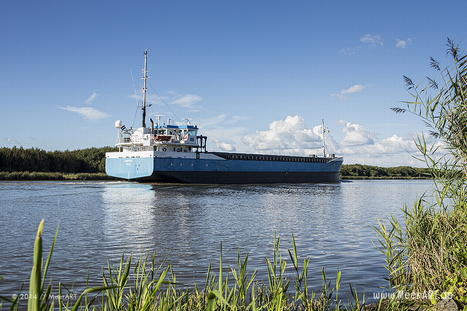 "Der Frachter ""Andrea"" (IMO 9350939) im Nord-Ostsee-Kanal bei Ecklak // Foto: MeerART"
