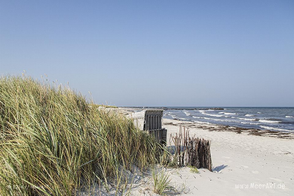 Strandkorb an einem Strandabschnitt an der Ostsee in Schönberg-Brasilien // Foto: R. Kerpa