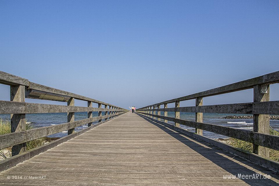Die Seebrücke am Schönberger Strand // Foto: MeerART
