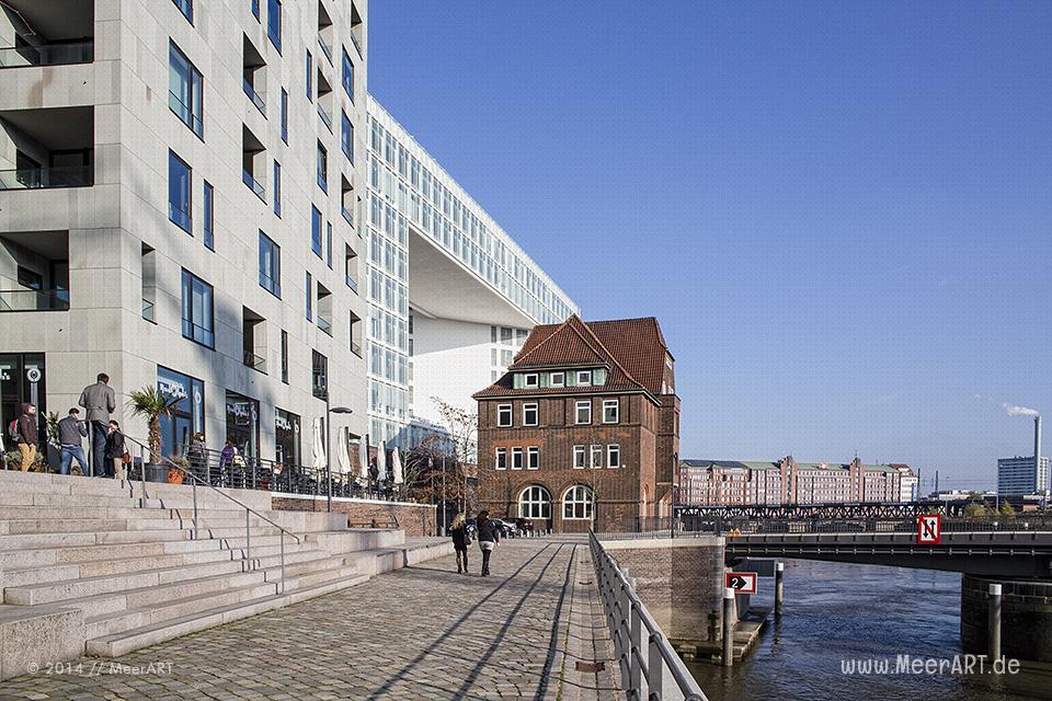 Altes Zollhaus in der HafenCity in Hamburg // Foto: MeerART