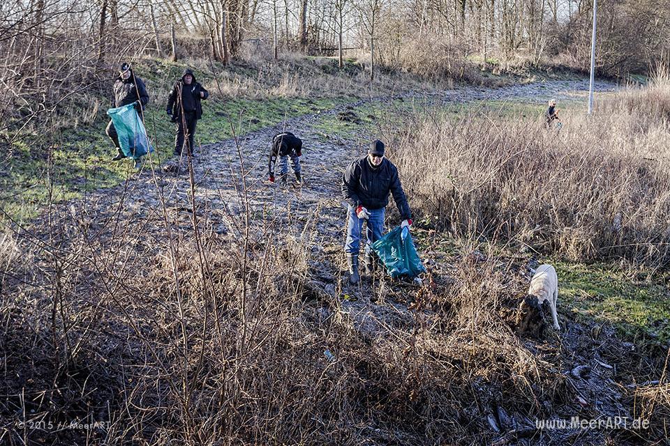 Elbinsel Clean Up am 17.01.2015 mit MeerART und Sea Shepherd Deutschland // Foto: MeerART