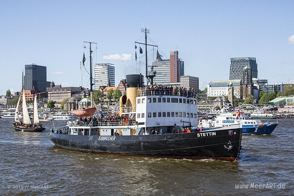 Impressionen vom 826. Hamburger Hafengeburtstag am 10.05.2015 mit vielen Traditionsseglern und Museumsschiffen // Foto: MeerART / Ralph Kerpa