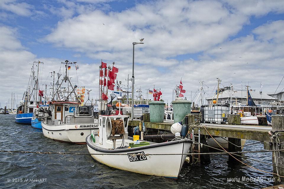 Fischkutter im Hafen von Burgstaaken auf der schönen und idyllischen Ostseeinsel Fehmarn // Foto: MeerART
