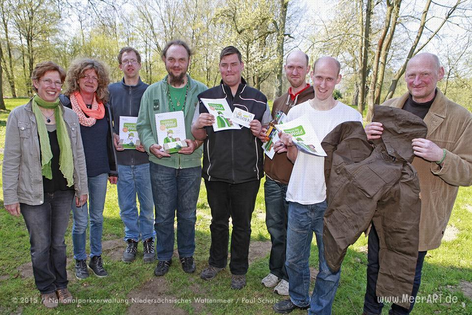 """Beschäftigte des """"Grünen Bereichs"""" der Stiftung proWerk Bethel werden für ihr ehrenamtliches Engagement im Naturschutz auf Wangerooge ausgezeichnet. // Foto: Paul Schulz"""