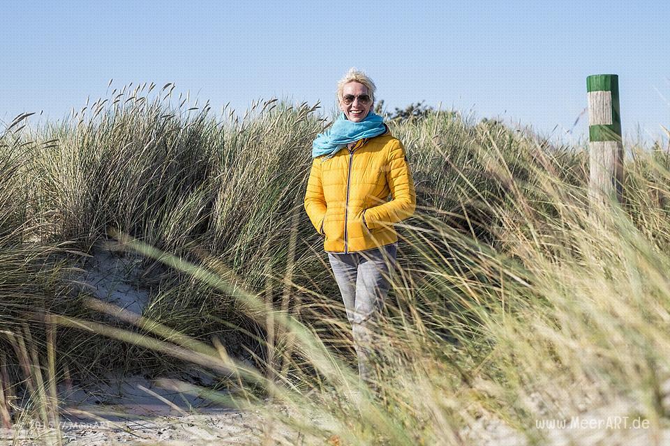 Ein sonniger Herbsttag am Südstrand auf Fehmarn // Foto: MeerART