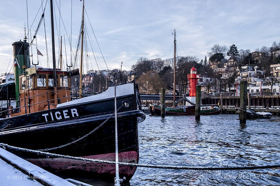 Winterimpressionen aus dem Museumshafen in Hamburg Oevelgönne // Foto: MeerART