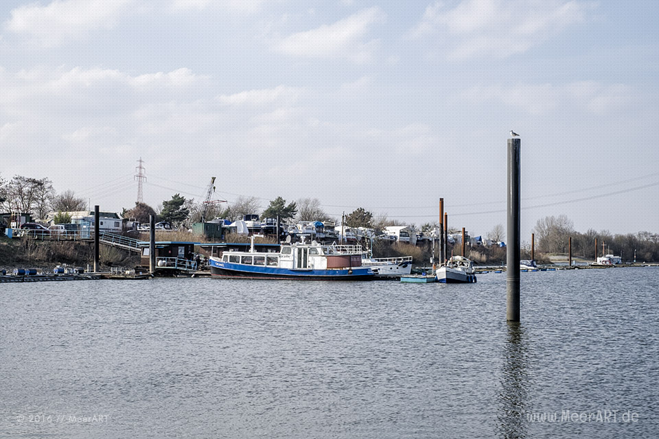 Anleger im Hafen von Oortkaten // Foto: MeerART