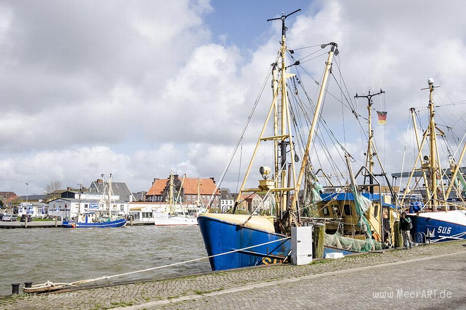 Der Außenhafen von Husum in Nordfriesland // Foto: MeerART
