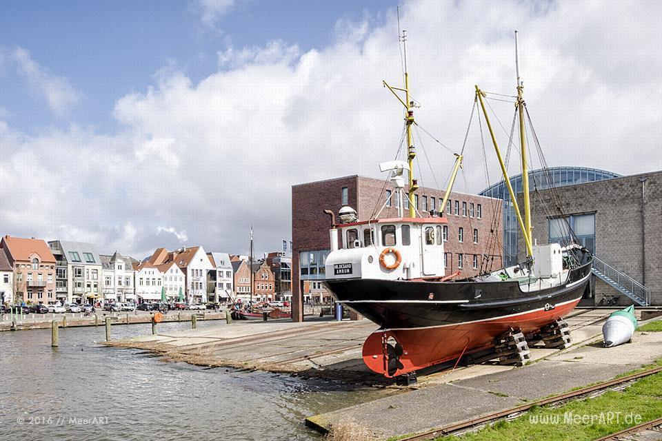 Der Binnenhafen von Husum in Nordfriesland // Foto: MeerART