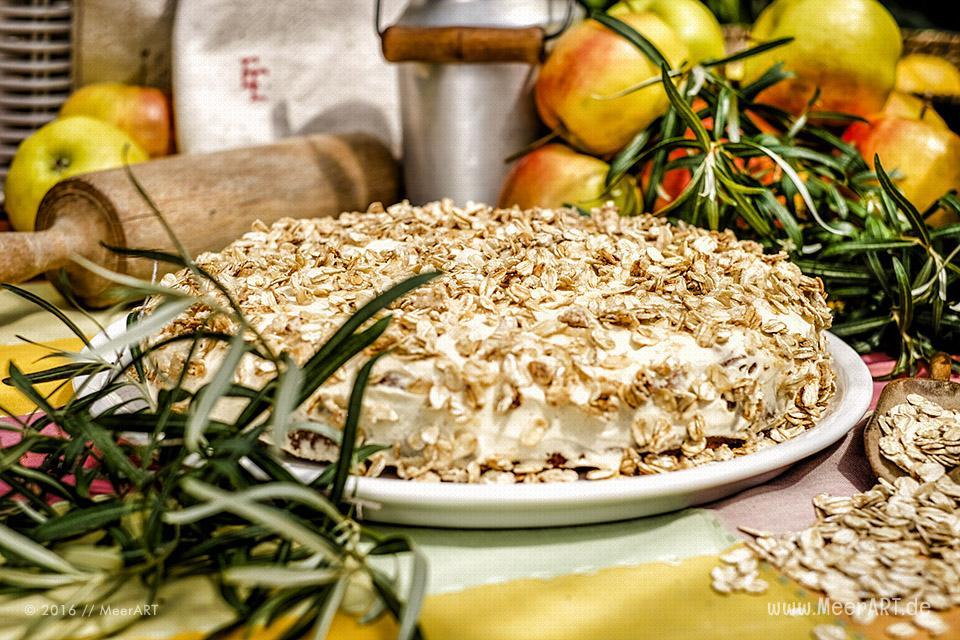 Rezept-Tipp: Apfelkuchen mit Sanddorncreme // Foto: MeerART