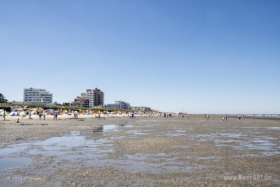 Hauptsaison an der Nordseeküste im Nordseeheilbad Cuxhaven-Duhnen // Foto: MeerART