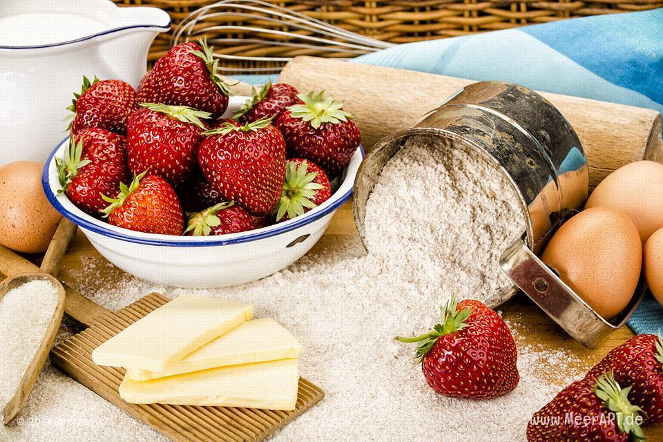Rezept-Tipp: Trümmertorte mit Erdbeeren // Foto: MeerART