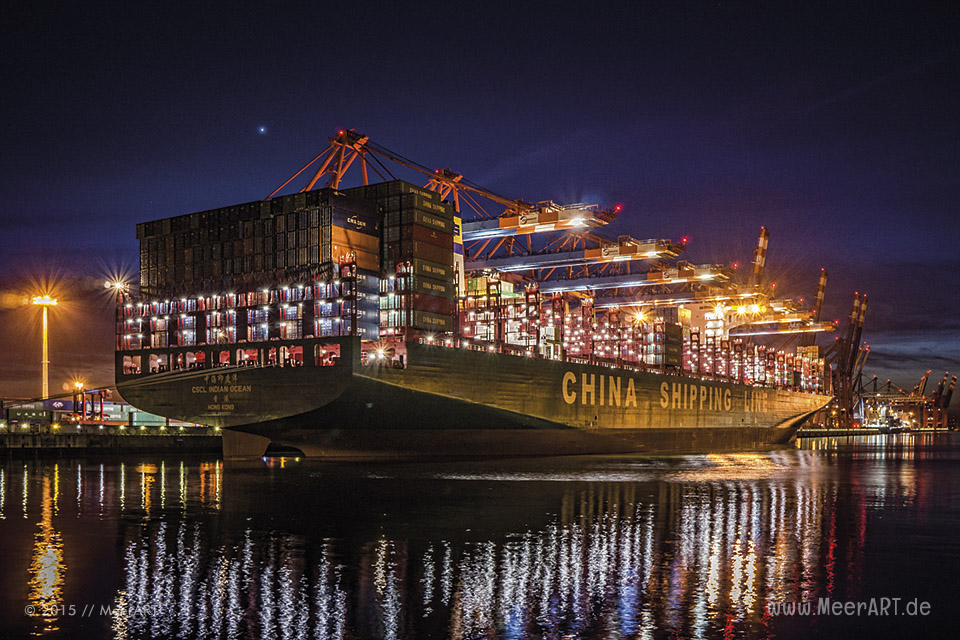 "Die ""CSCL INDIAN OCEAN"" ( IMO 9695157) am Terminal ""EUROGATE"" im Hamburger Hafen // Foto: MeerART / Ralph Kerpa"