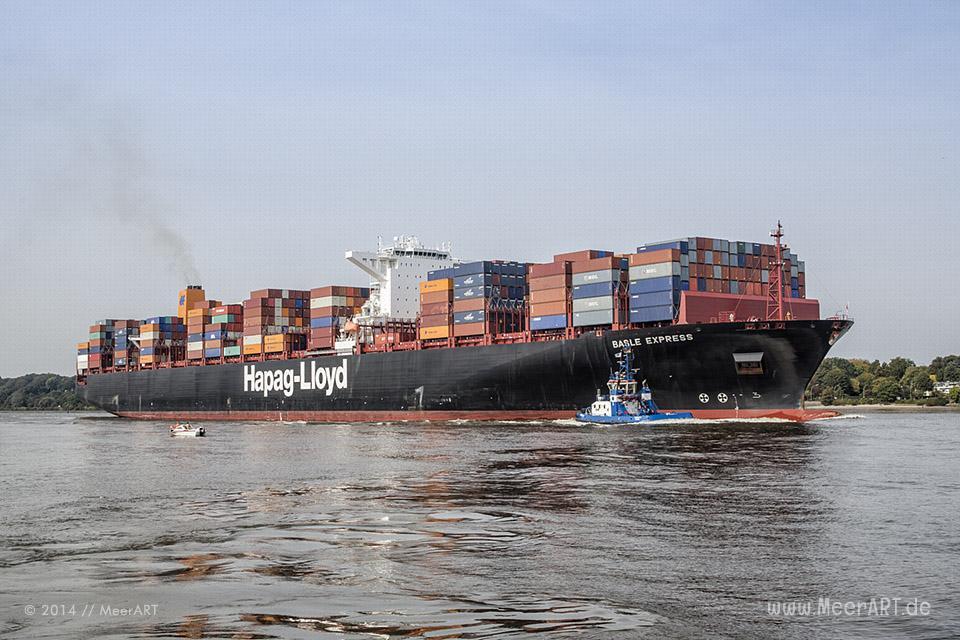 """Das Containerschiff """"BASLE EXPRESS"""" (IMO: 9501344) läuft am 28.09.2014 um 13:39 Uhr in den Hamburger Hafen ein // Foto: MeerART / Ralph Kerpa"""