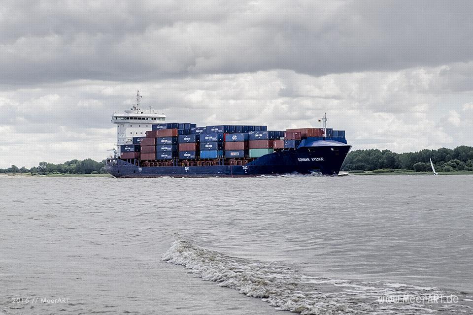 "Das Containerschiff ""CONMAR AVENUE"" (IMO 9483358) auf der Unterelbe bei Wedel // Foto: MeerART/Ralph Kerpa"